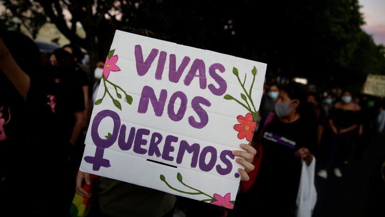 La violencia de género se ha agravado durante la pandemia, especialmente durante los confinamientos. (Foto Prensa Libre: EFE)