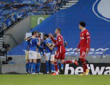 El Liverpool cedió un empate ante el Brighton en un juego marcado por dos goles del Liverpool anulados por el VAR. (Foto Prensa Libre: EFE)