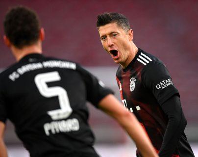 El Bayern Munich derrotó 1-3 al Stuttgart y lidera la Bundesliga. (Foto Prensa Libre: EFE)