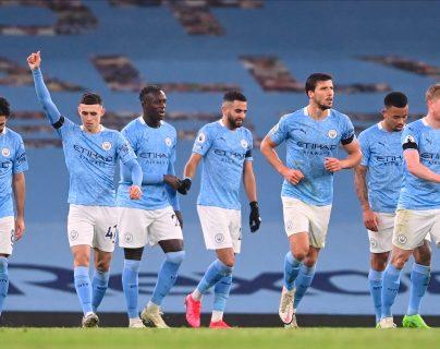 El Manchester City de Pep Guardiola es octavo en la tabla de clasificación de la Premier League. (Foto Prensa Libre: EFE)