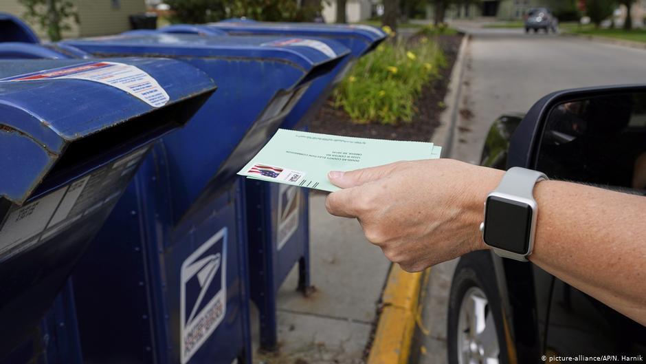 Algunos estados aceptan boletas electorales llegadas por correo hasta después del 3 noviembre, siempre y cuando tengan matasellos del 3 de noviembre.