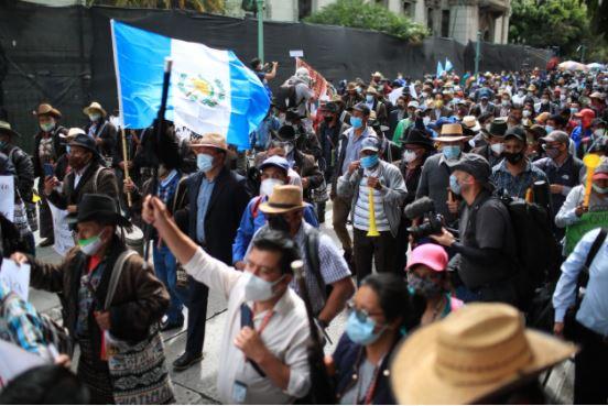 Las manifestaciones continúan por la aprobación del presupuesto 2021. (Foto Prensa Libre: Carlos Hernández)
