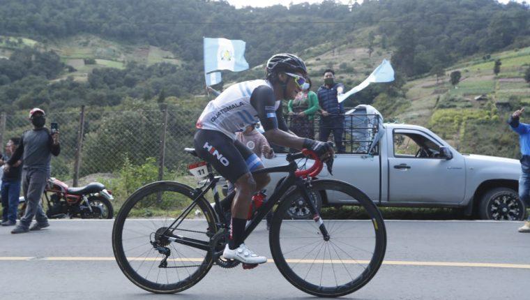 Mardoqueo Vázquez, con su escalada, logró ganar etapas de alta montaña en la edición 60 de la Vuelta a Guatemala. Foto Esbin García.