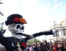 Aunque la festividad en México es el 1 y 2 de noviembre, las festividades se extendían por varios días. (Foto Prensa Libre: AFP)