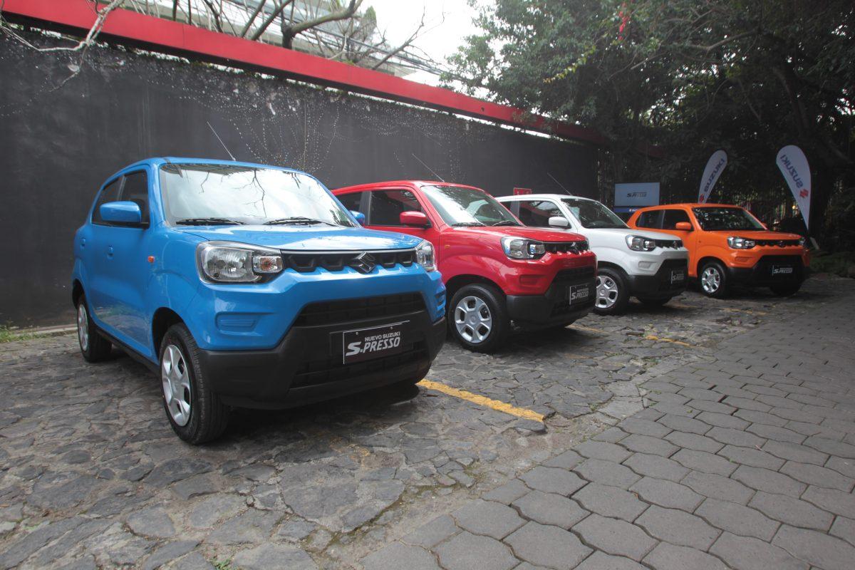 Autos Suzuki presenta SUV con diseño atractivo y rendimiento muy económico