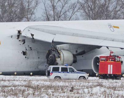 Avión que se accidentó en Siberia. (Foto Prensa Libre: @VladZinen)