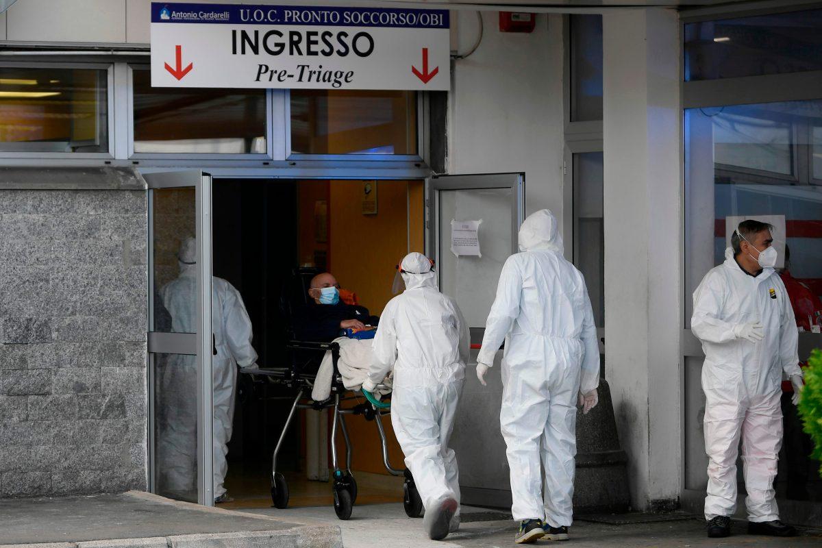 """""""Al borde del colapso"""": alerta en hospitales de Italia debido a la cantidad de pacientes con coronavirus"""
