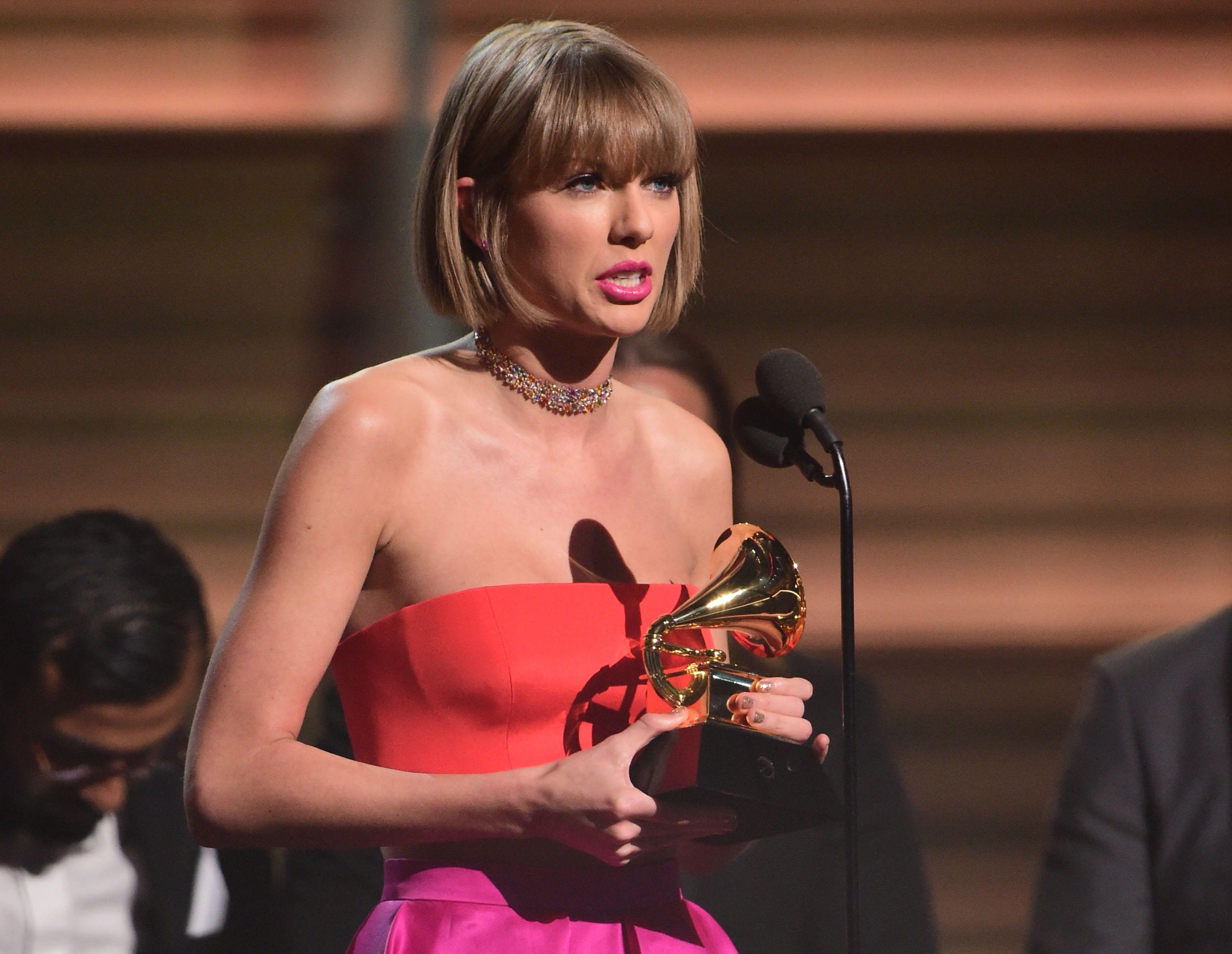 Taylor Swift y Beyoncé pueden hacer historia en los Grammy de la pandemia