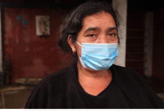 Aidé Pérez, damnificada por Iota en San Pedro Carchá. (Foto Prensa Libre: Byron García)