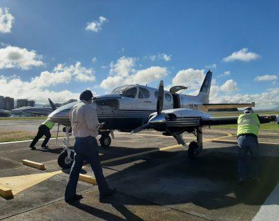 El centro de acopio del Aeroclub de Guatemala logra trasladar ayuda humanitaria vía aérea a comunidades damnificadas. (Foto Prensa Libre: Guatevisión)