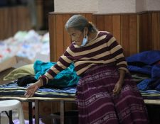 Personas albergadas luego de inundaciones que dejaron Eta y Iota son vulnerables ante la propagación del coronavirus en Guatemala. (Foto Prensa Libre: Byron García)