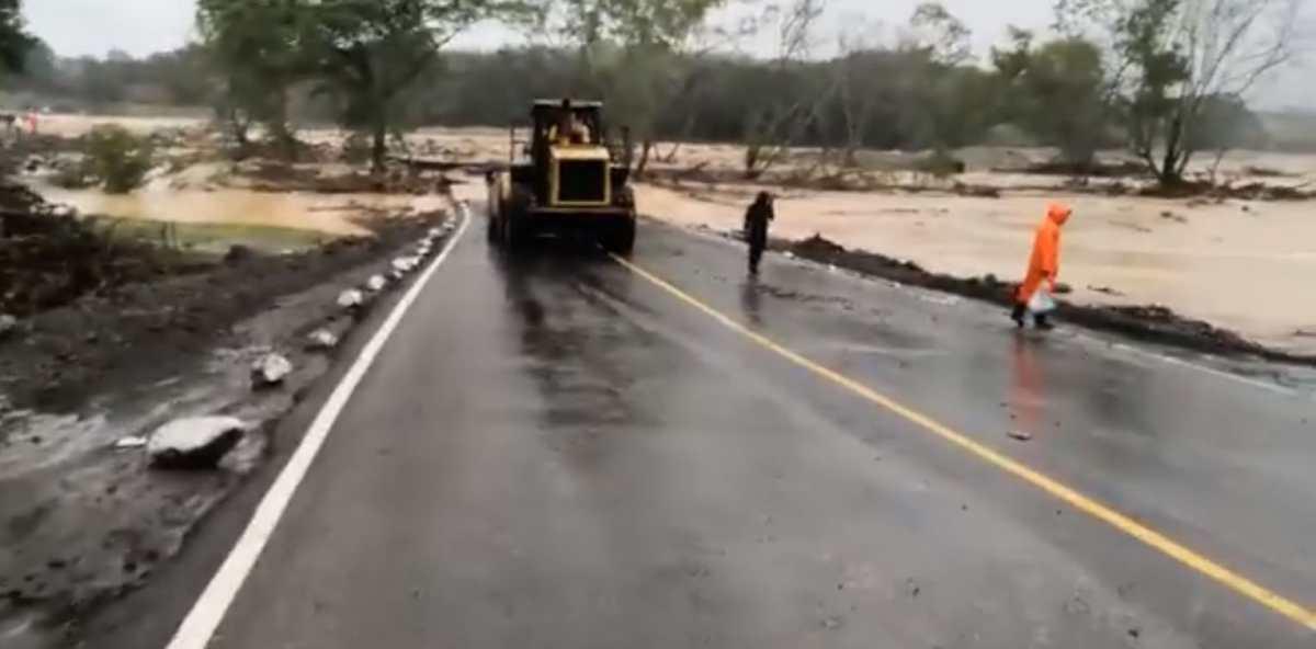 Iota en Guatemala: paso cerrado en puentes Jones y Santiago en la ruta al Atlántico