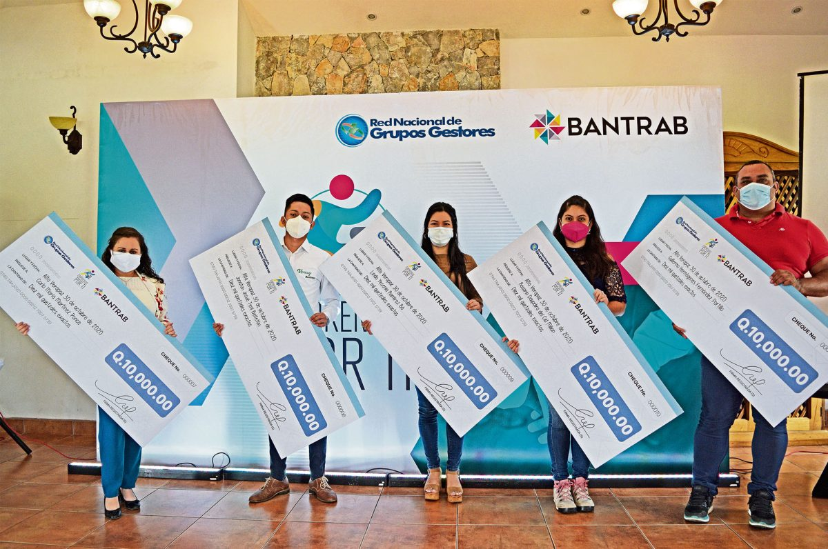 Bantrab entrega capital semilla a nuevos emprendedores