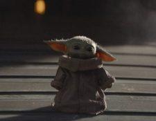Baby Yoda es el único personaje además del protagonista que aparece en los ocho episodios de la serie.(Foto Prensa Libre: cortesía Disney+)