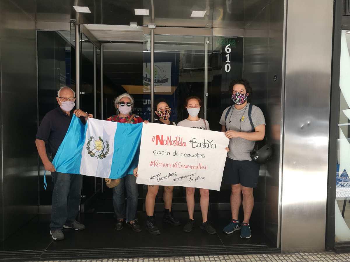Ciudadanos guatemaltecos en el extranjero se unieron a manifestación del 21 de noviembre