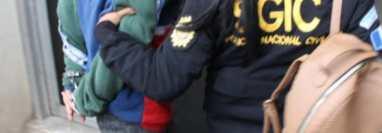 Una de las capturadas señalada de extorsión. (Foto Prensa Libre: Ministerio de Gobernación)