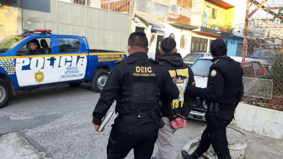 Más de 30 capturados por extorsión durante allanamientos de la PNC y MP
