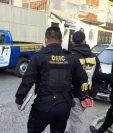 Los operativos se llevan a cabo en varios puntos de la provincia y la capital. (Foto Prensa Libre: PNC)