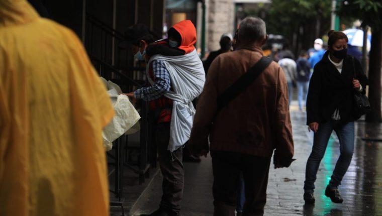 Desde el 13 de marzo último, las autoridades guatemaltecas han reportado 111 mil 262 casos de coronavirus detectados. (Foto Prensa Libre: Carlos H. Ovalle)