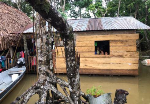 Una de las comunidades inundadas en Lívingston, Izabal. (Foto Prensa Libre: Cortesía Comuna)