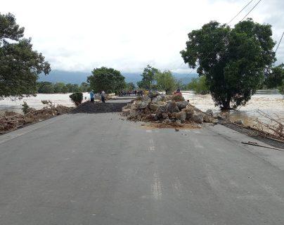 Aduanas cerradas y daños en carreteras dejan sobrecostos por Q4 millones al sector transporte