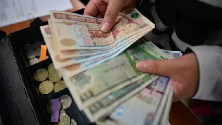 Hallazgos revelan que guatemaltecos en el extranjero y fallecidos aparecen como beneficiados con el Bono Familia
