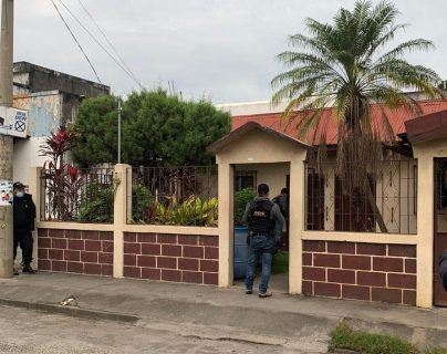 Autoridades allanan varias viviendas en Escuintla. (Foto: MP)