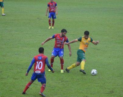 Guastatoya trabajó bien el partido ante Xelajú y se quedó con los tres puntos. Foto Prensa Libre: @CD_Guastatoya