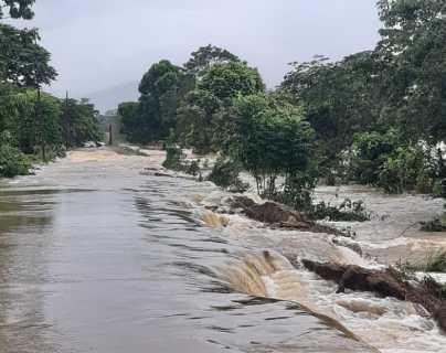 Iota en Guatemala: Izabal registra inundaciones y cierre de pasos viales
