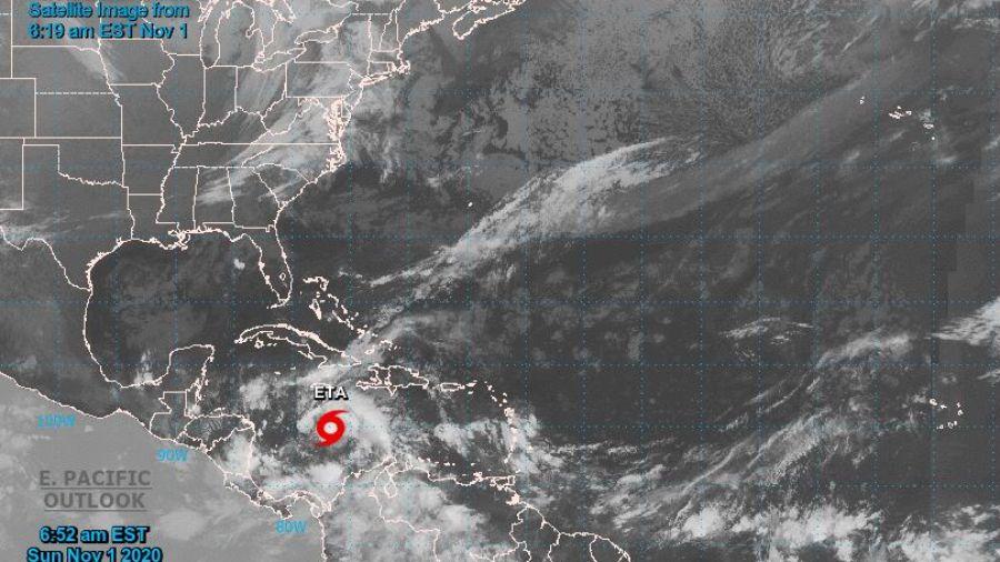 """""""Vientos hasta de 120 km por hora"""": la región se prepara por un posible huracán Eta"""