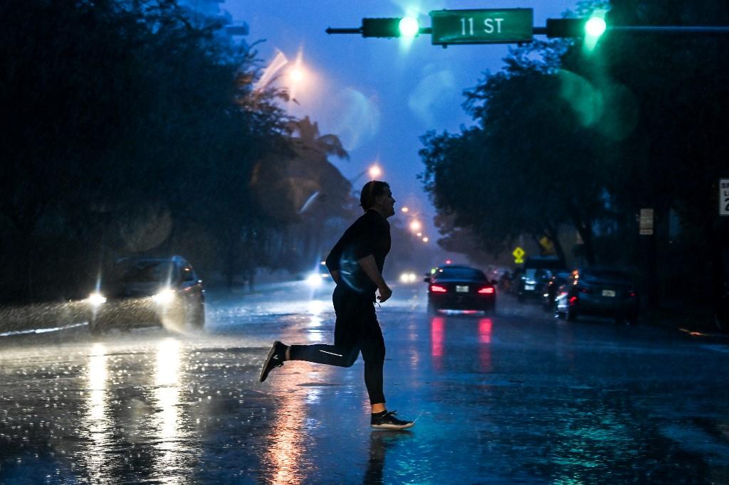 Tormenta Eta golpea Florida con inundaciones y fuertes vientos