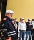 El Presidente Alejandro Giammattei visitó el lugar donde se preparan bolsas de alimentos para los damnificados esta mañana y después viajó a Alta Verapaz (Foto: Gobierno de Guatemala)