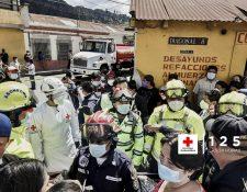 Cuerpos de socorro de las distintas compañías están en apresto durante las fiestas navideñas.  (Foto Prensa Libre: Cruz Roja Guatemalteca)