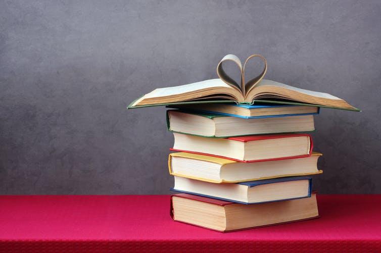 Si busca el secreto de la felicidad, no lea libros de autoayuda