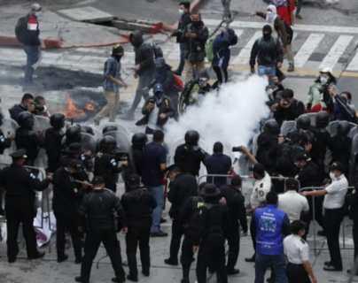 """""""Todo lo hicimos con órdenes superiores"""": agentes se sienten sin respaldo institucional ante represión del 21N"""