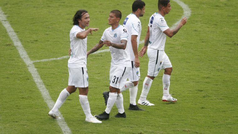 Comunicaciones suma un nuevo caso de covid-19 entre sus jugadores. (Foto Prensa Libre: Hemeroteca)