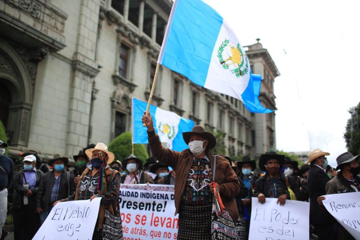 Presupuesto 2021: continúan manifestaciones en la Plaza de la Constitución y el Congreso