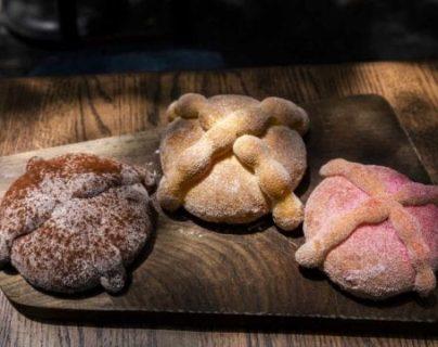 Prepare pan de muerto en casa con la receta de un reconocido chef