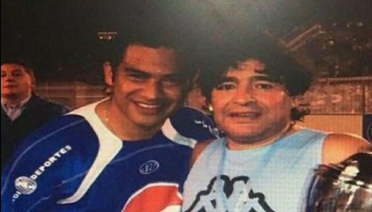 """""""Por vos todos soñamos ser futbolistas"""": Este es el mensaje de Carlos Ruiz para Diego Maradona"""