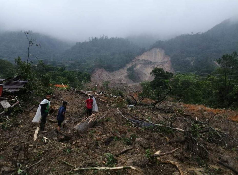 Siguen retumbos en cerros cercanos a Quejá, San Cristóbal Verapaz y alcalde teme más derrumbes