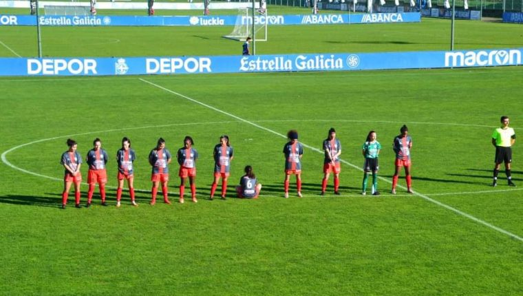 La futbolista Paula Dapena decidió no rendirle tributo a Diego Armando Maradona. (Foto Prensa Libre: pontevedraviva.com)