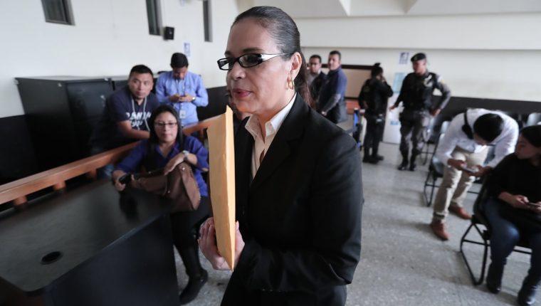 """Roxana Baldetti por """"falta de recursos"""" renunció a su solicitud de traslado a un hospital privado"""
