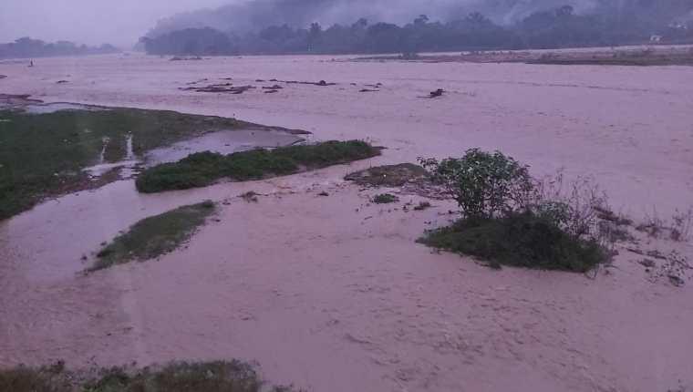 Creció el caudal del río Polochic. (Foto Prensa Libre: Cortesía)