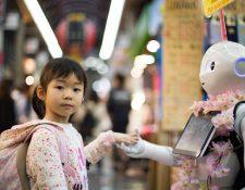 A diferencia de países como Japón, en las sociedades occidentales existe temor de que los robots reemplacen a los humanos. (Foto Prensa Libre: Unsplash)
