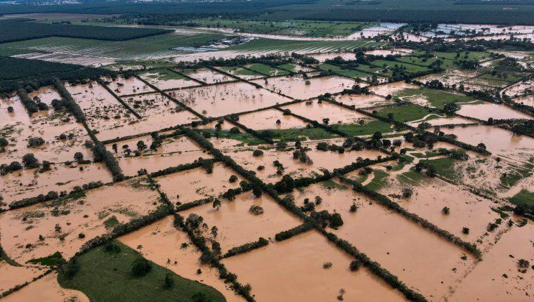 Debido a la tormenta ETA el Ejecutivo decretó estado de calamidad en nueve departamentos. (Foto Prensa Libre: Hemeroteca PL).