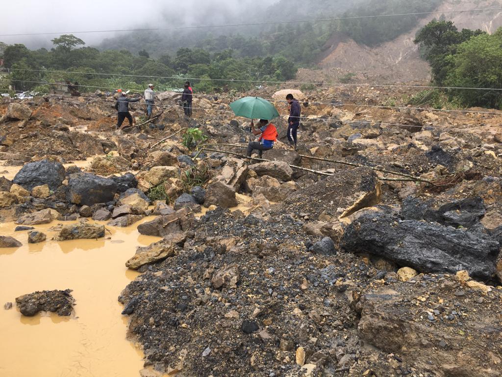 """""""Yo solo escuchaba gritos, la gente pedía auxilio"""": habla un sobreviviente de la tragedia en el caserío Quejá"""
