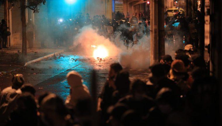 Así cerró la jornada de protestas en Guatemala por el presupuesto 2021 –  Prensa Libre