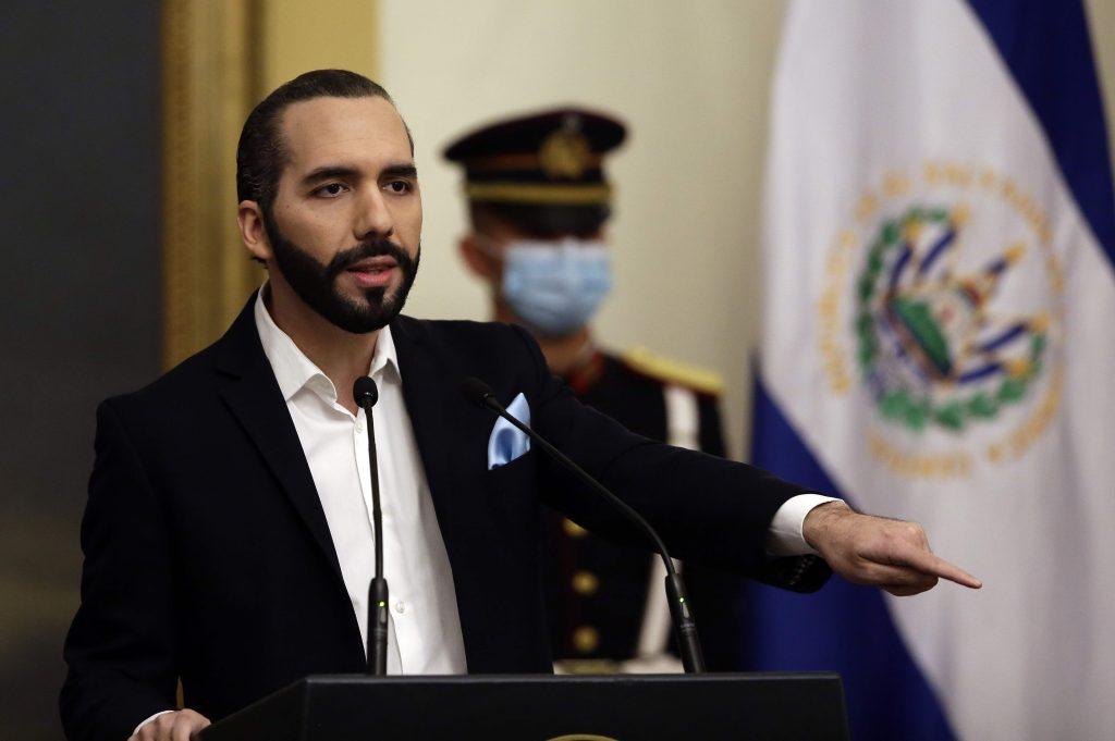 """Plegaria colectiva: Bukele decreta """"día nacional de oración"""" en El Salvador ante la tormenta Iota"""