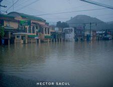 Así luce San Pedro Carchá, por las inundaciones de las últimas horas. (Foto Prensa Libre: Héctor Sacul)