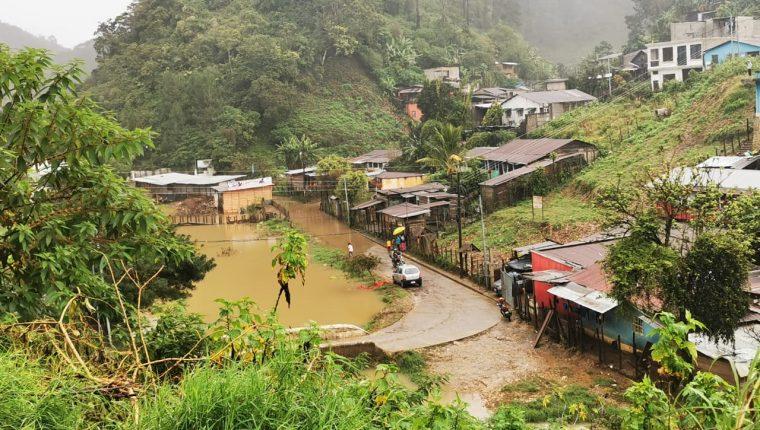 Comunidades están inundadas e incomunicadas en Carchá, Alta Verapaz. Foto: Juan Carlos Riveiro